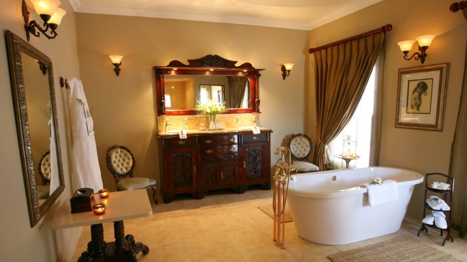Südafrika Oudtshoorn La PLume Gästehaus Suite Badezimmer