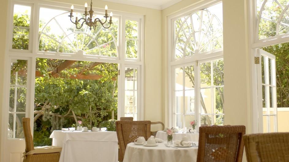 Südafrika Weinland Stellenbosch River Manor Boutique Hotel Frühstücksraum