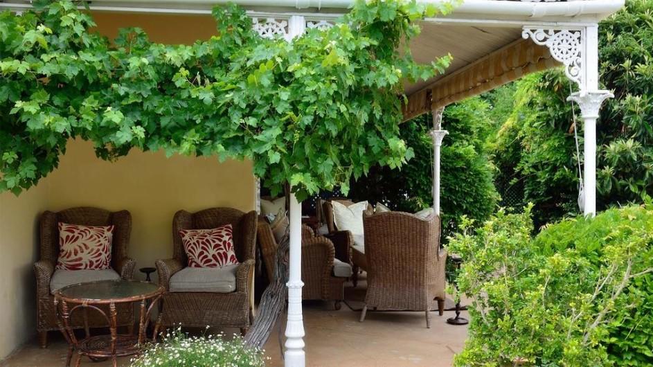 Südafrika Weinland Stellenbosch River Manor Boutique Hotel Terrasse