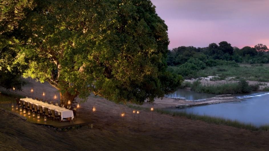 Südafrika Sabi Sand Game Reserve Exeter River Lodge Dinner am Fluß
