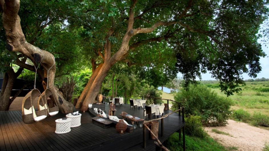Südafrika Sabi Sand Game Reserve Lion Sands Tinga Lodge Terrasse