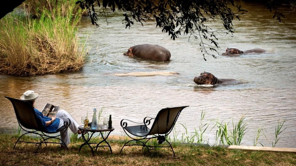 Südafrika Sabi Sand Game Reserve Lion Sands ein Platz am Wasser