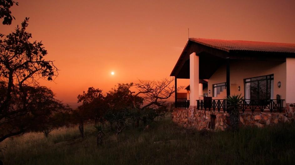 Südafrika Pakamisa Private Game Reserve Zimmer außen