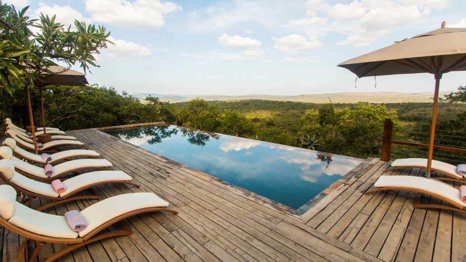 Südafrika Hluhluwe Game Reserve Rhino Ridge Safari Lodge Pool