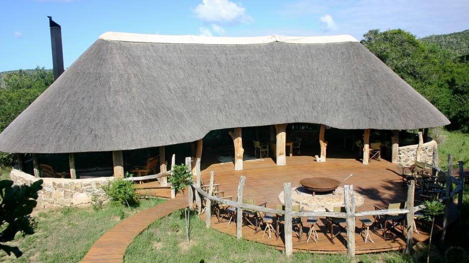 Südafrika Sibuya Game Reserve Forest Camp Außenansicht