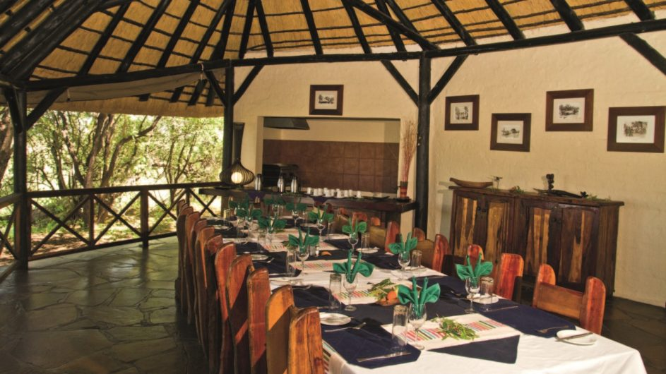 Namibia Caprivi Lianshulu Bush Lodge Dinner