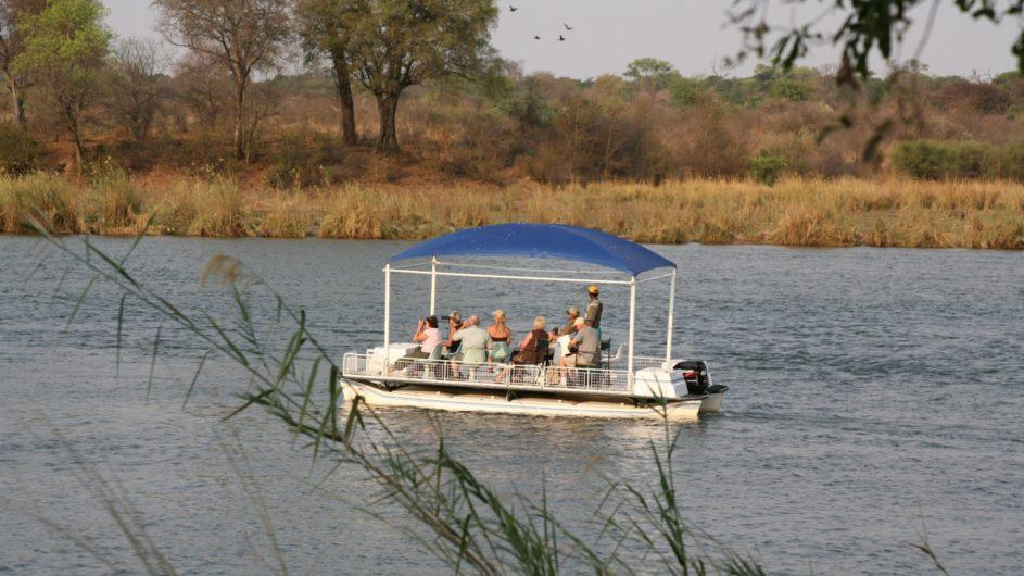 Namibia Caprivi Ndhovu Safari Lodge Bootsfahrt auf dem Okavango
