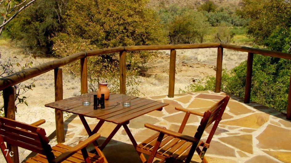 Namibia Damaraland Huab Lodge Terrasse