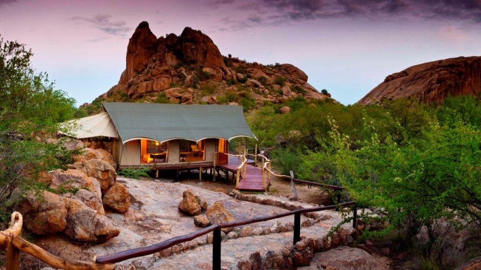 Namibia Erongo Wilderness Lodge Zimmer außen