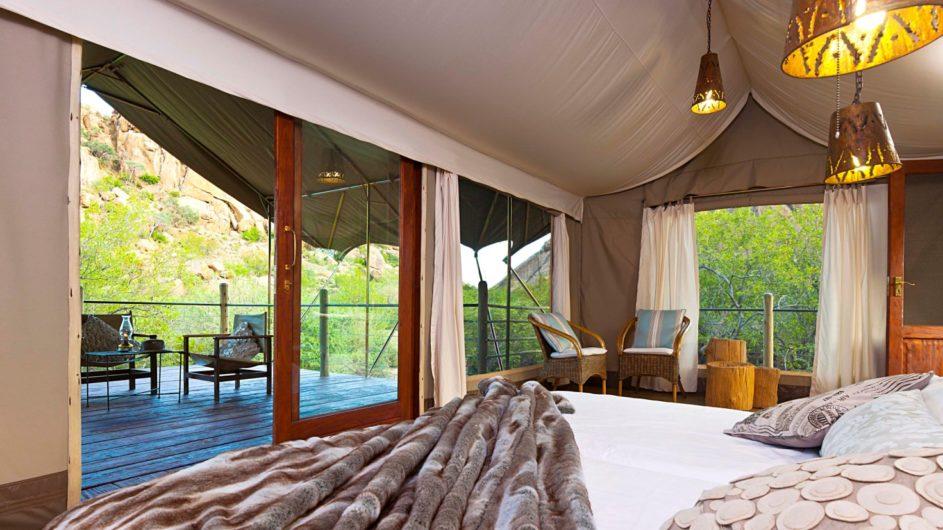 Namibia Erongo Wilderness Lodge Zimmer innen