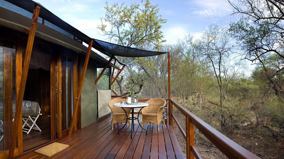 Namibia Etosha Nationalpark Mushara Outpost Zelt Terrasse
