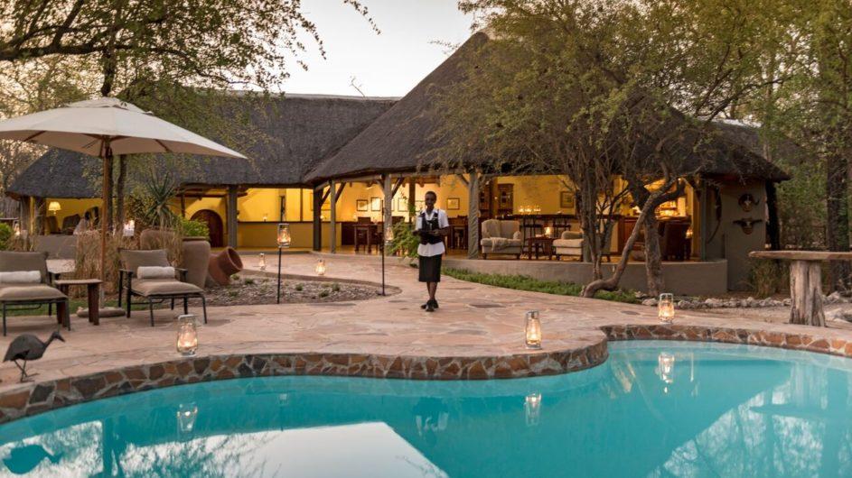 Namibia Etosha Nationalpark Onguma Etosha Aoba Lodge Pool