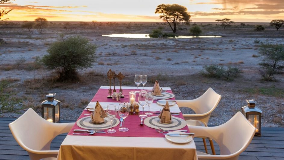 Namibia Etosha Nationalpark Onguma The Fort Dinner