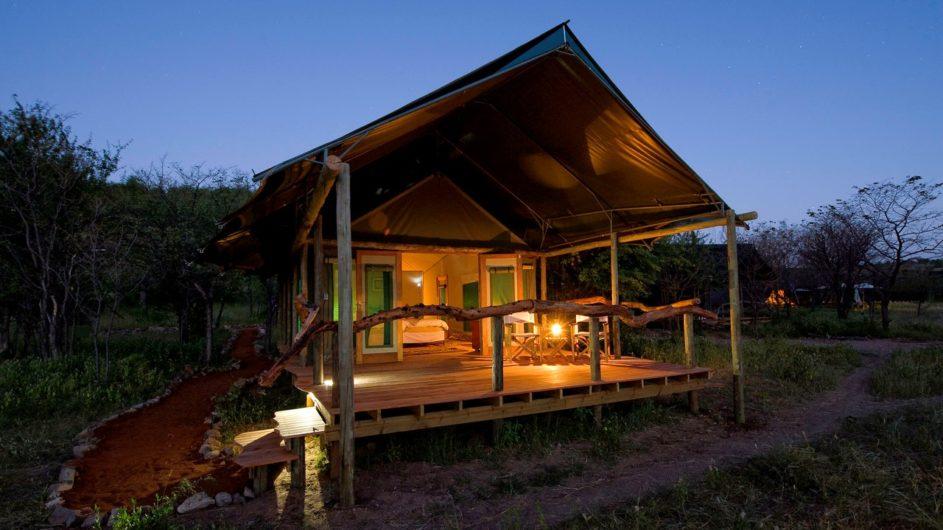 Namibia Etosha Nationalpark Ongava Tented Camp Zelt außen
