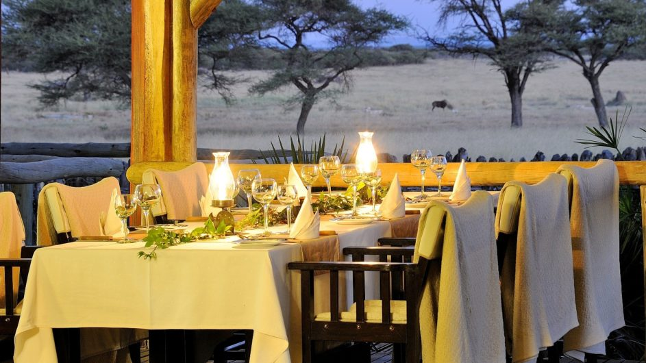 Namibia Frans Indongo Lodge Dinner Tisch