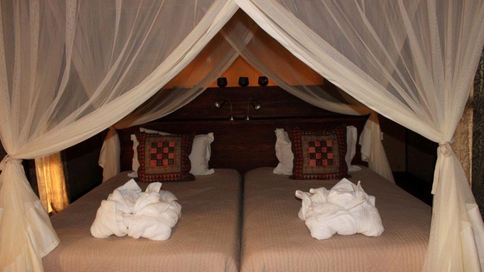 Namibia Sossusvlei Hoodia Desert Lodge Zimmer innen