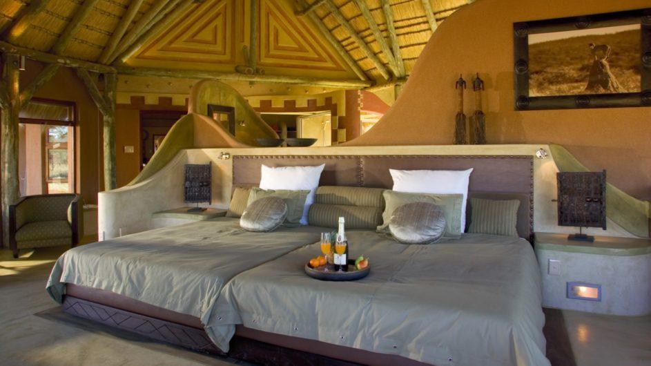 Namibia Okonjima Bush Suite Schlafzimmer