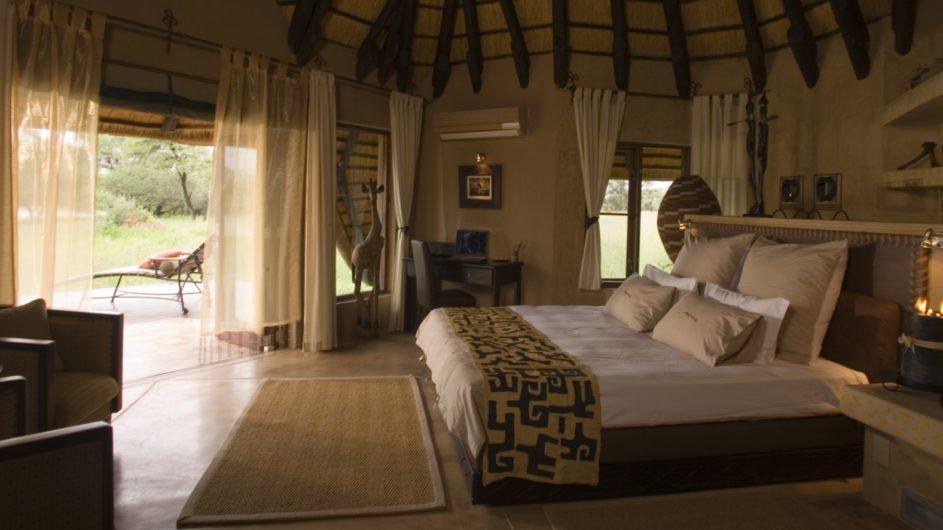 Namibia Okonjima Villa Schlafzimmer