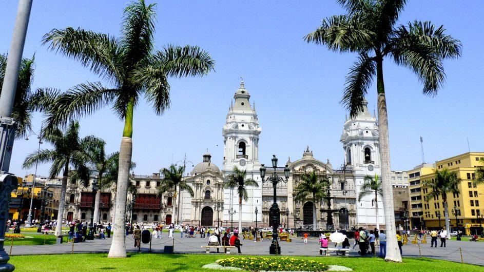 Peru Chamäleon Reisen Kleingruppenreise Machu Picchu Kathedrale von Lima