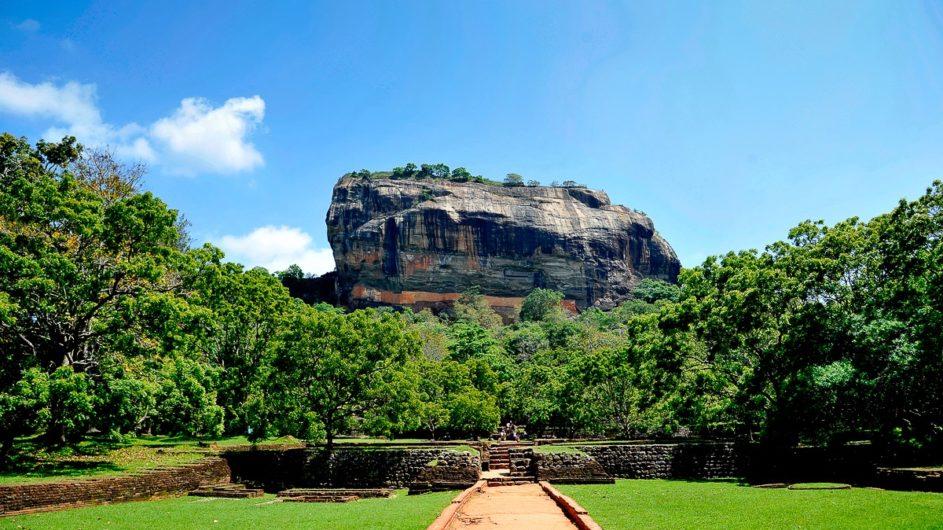 Sri Lanka Chamäleon Reisen Kleingruppenreise Kandy Sigiriya Felsen