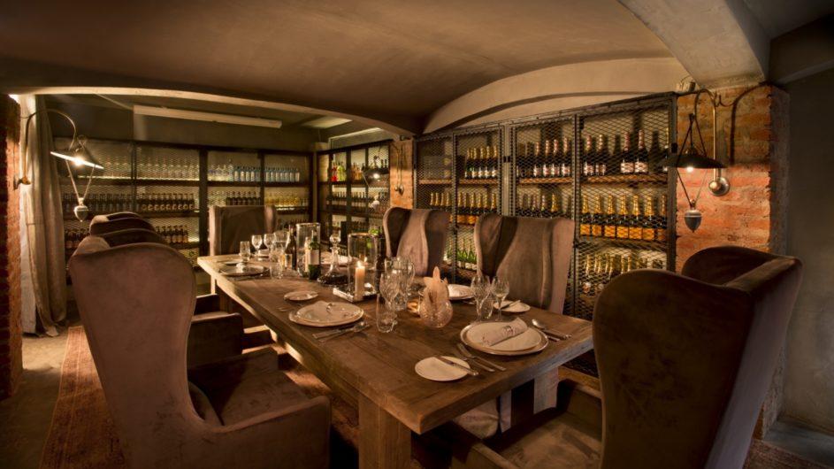 Tanzania andBeyond Ngorongoro Crater Lodge Weinkeller Dinner