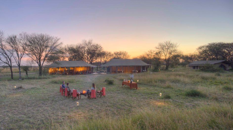 Tanzania Serengeti Asilia Olakira Camp Ansicht Lagerfeuer
