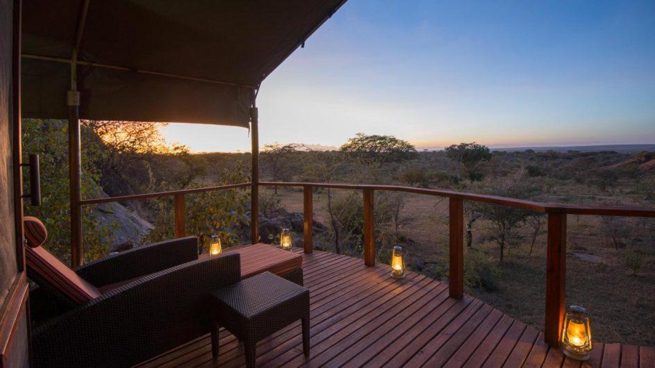 Tanzania Serengeti Sanctuary Kusini Zelt Terrasse Ausblick