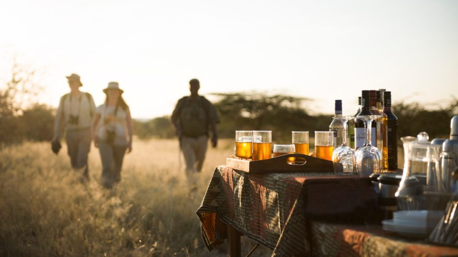 Tanzania Tarangire Nationalpark Sailia Olivers Camp Sundowner
