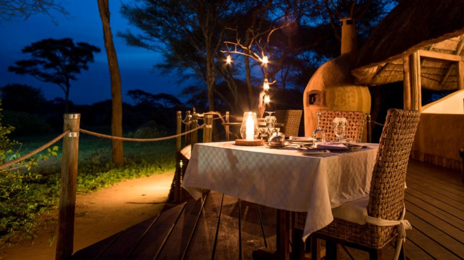 Tanzania Tarangire Nationalpark Sanctuary Swala Camp Dinner