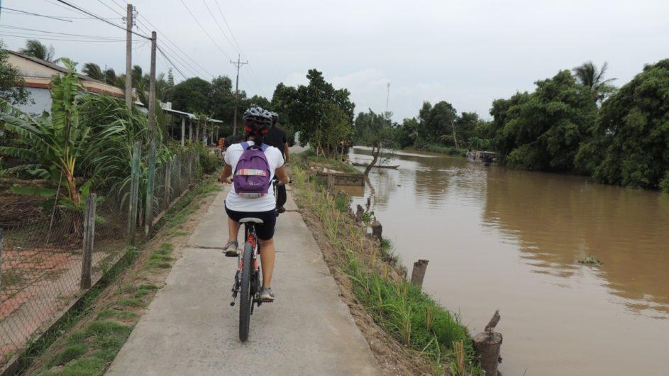 Vietnam EXO Travel FAhrradtour am Fluss entlang