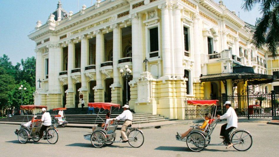 Vietnam EXO Travel Hanoi Oper Cyclo Fahrt