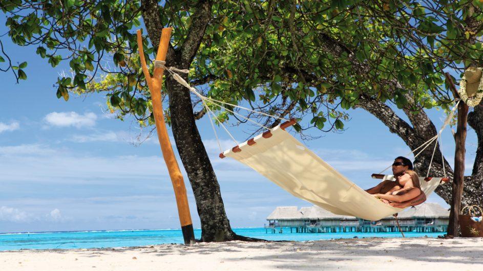 Französisch Polynesien Moorea Sofitel Ia Ora Beach Resort Hängematte am Strand