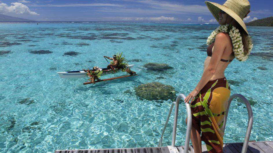 Französisch Polynesien Moorea Sofitel Ia Ora Beach Resort Kanu Frühstück