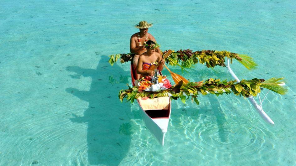 Französisch Polynesien Tahai Island Resort Kanu Frühstück