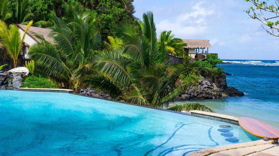 Samoa Upolu Seabreeze Resort Pool