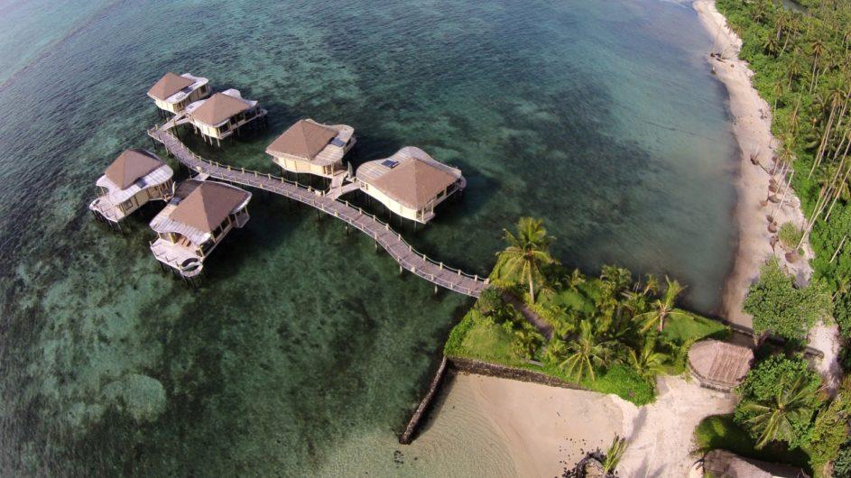 Samoa Upolu Coconut Beach Club Resort Overwater Bungalows von oben