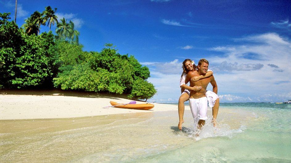Samoa Upolu Sinalei Reef Reef Resort Pärchen am Strand