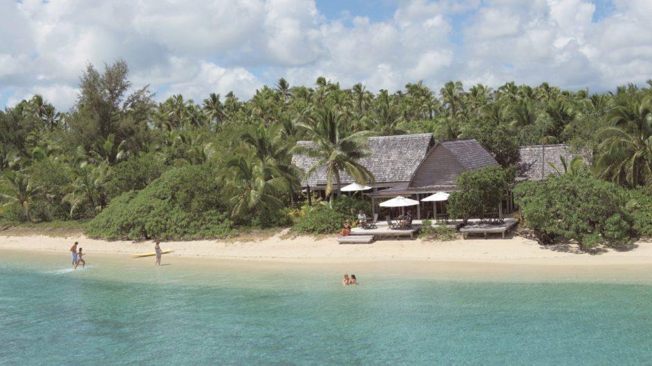 Tonga Tongatapu Fafa Island Resort Restraurant am Strand