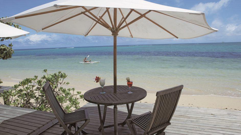 Tonga Tongatapu Fafa Island Resort Terrasse am Strand