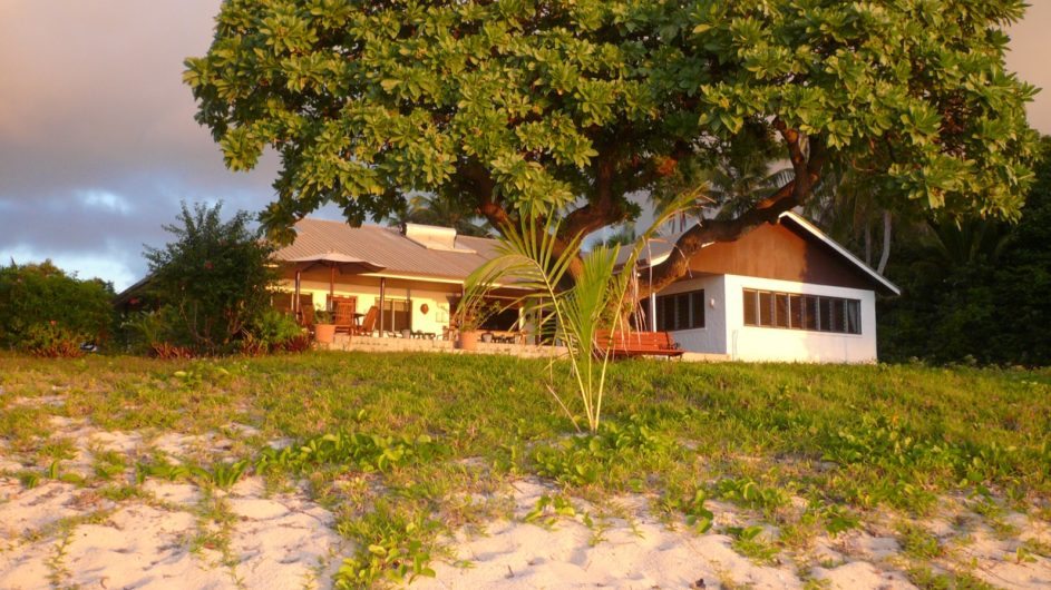 Tonga Haapai Sandy Beach Resort Bungalow